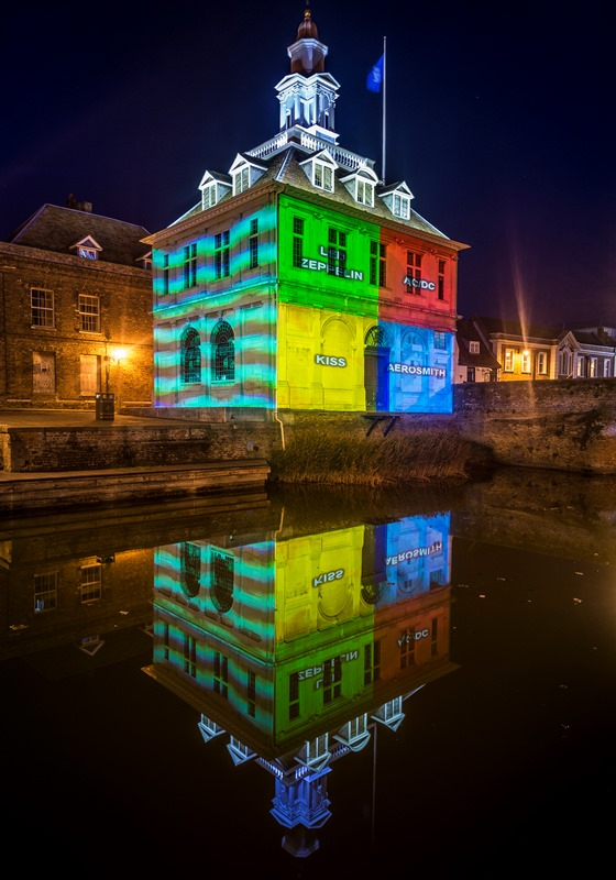 A light projection on the Custom House