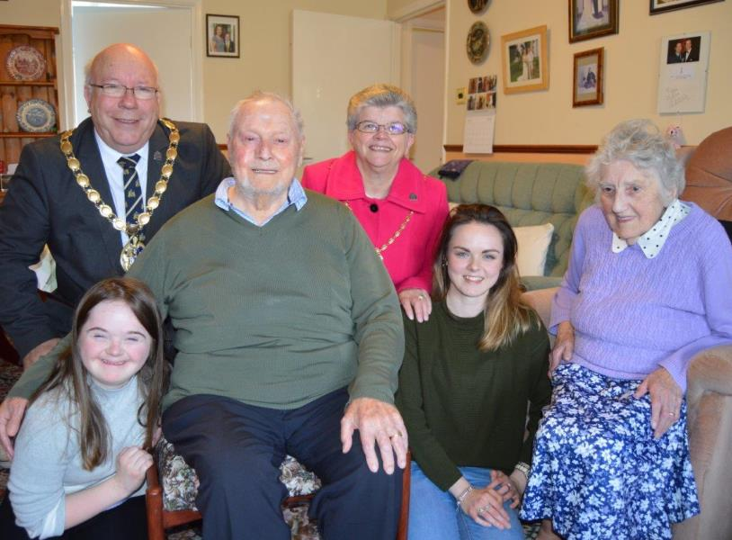 Cllr Whitby and Mrs Whitby with Gil and Sylvia Smith and their granddaughters Lucy and Lily
