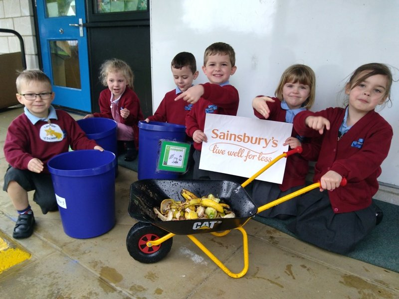 schoolchildren at hillcrest primary celebrate cutting food waste
